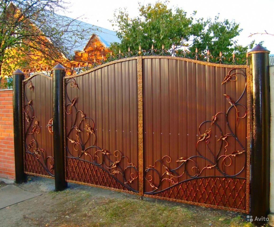 Красивые ворота из профнастила